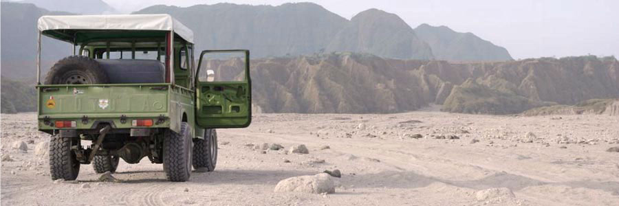 4x4 Jeepney going to mount Pinatubo
