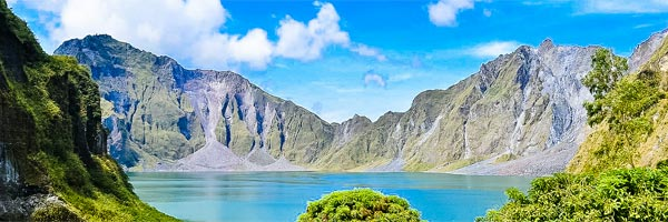 Magnificent view of Pinatubo lake